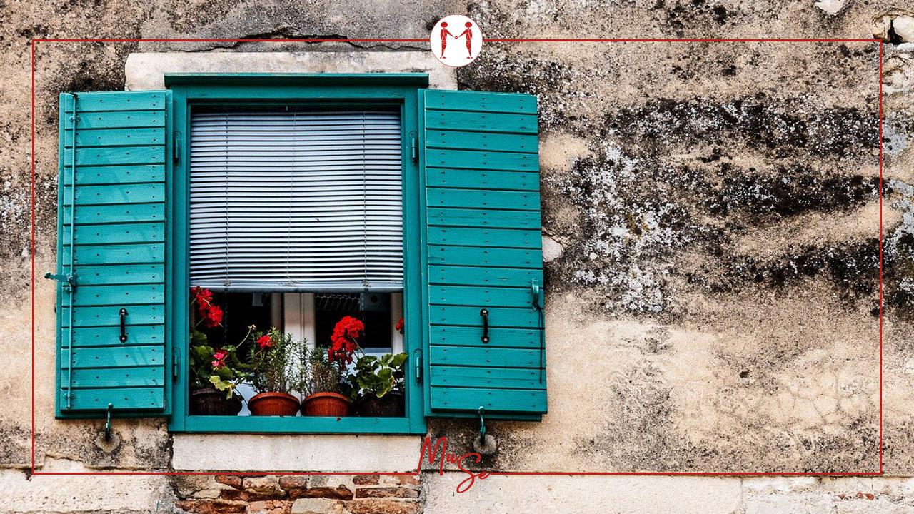 Cosa prevede la normativa sulla possibilità di aprire una finestra su un muro portante?