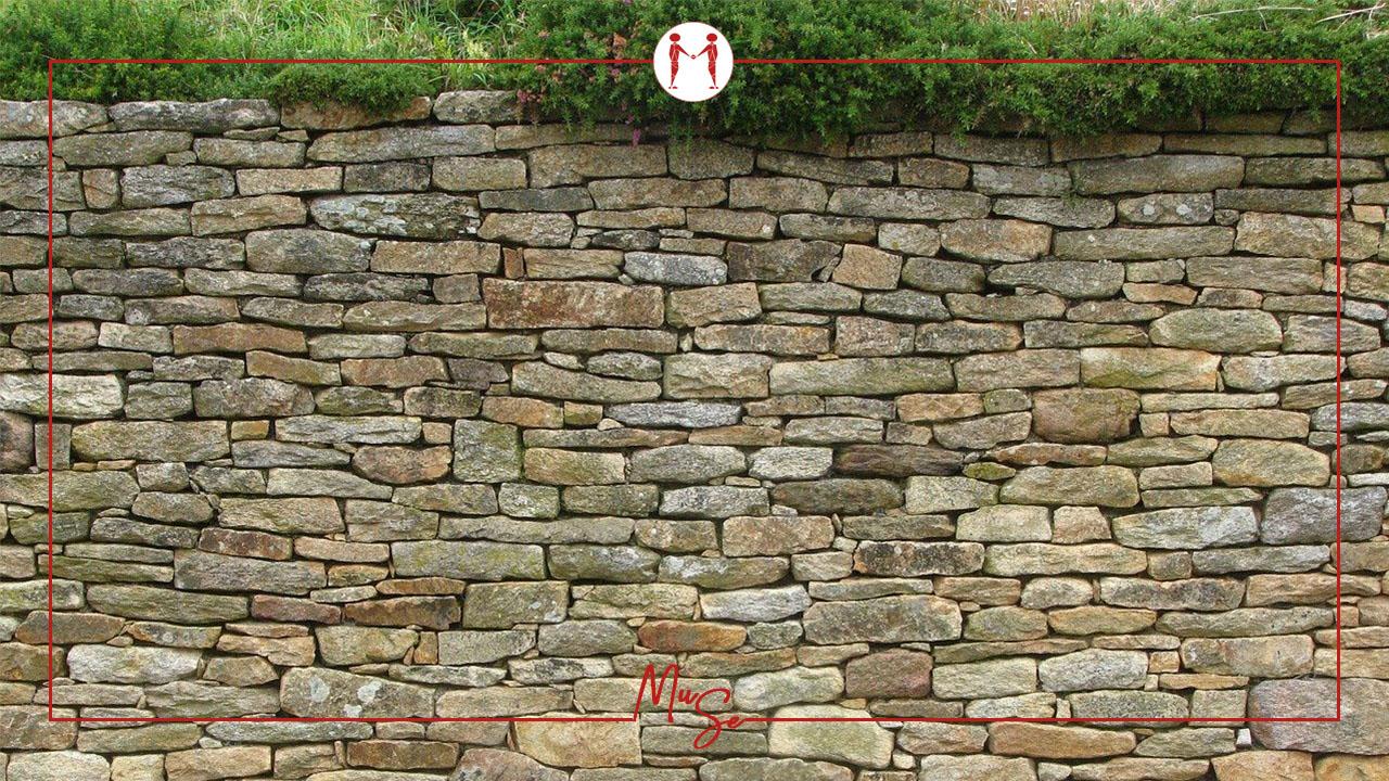 Quando è necessario il permesso di costruire per la realizzazione di una recinzione in muratura? E' sufficiente una SCIA?